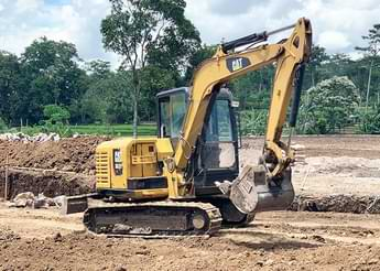Sewa Excavator PC75 - Karya Perkasa Abadi